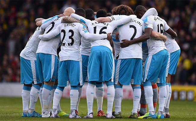 Newcastle Team Huddle Watford Jan 2016